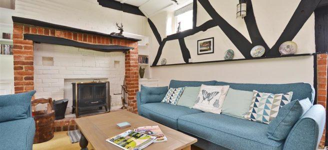 walnut cottage lounge