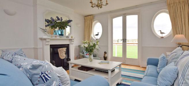 Curlews-Living-Room