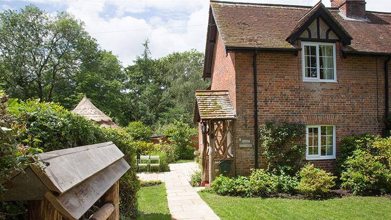 1-rose-cottage-few-forest