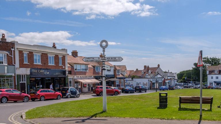milford-on-sea-village
