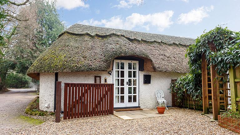 little-cottage-tiptoe